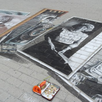 Work performed with Valentina Sforzini for Nationaal Archief in the Hague ( Den Haag ) ( http://www.gahetna.nl/en ) - Nederland- Project that combines the chalk paint in 2D photos on display in the exhibition and the old camera in 3D. Thank you for this special Project Peter Westerink http://www.planetstreetpainting.com/