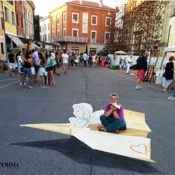 """Paper plane"" by Ketty and Valentina (Ccam Madonnari) 3D Street Art"